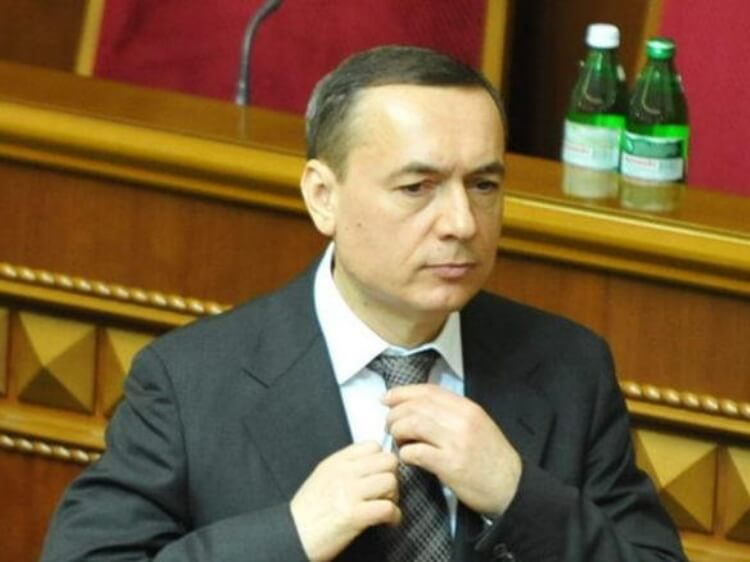 Соратник Яценюка «наварив» на продажі уранового концентрату 770 млн грн. А як заробляють ваші друзі?