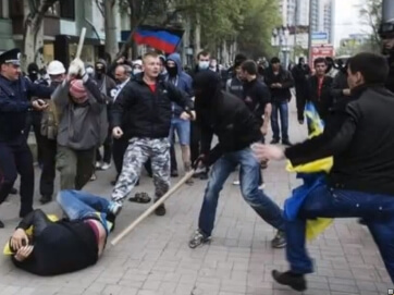 """Интернет-хит """"Сепаратутки и федерасты, чао!"""" От автора досталось всем - российскому агрессору, продажным украинским политикам и зазомбированному народу"""