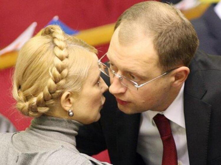 Бій Яценюку – БЮТ вимагає відставки уряду