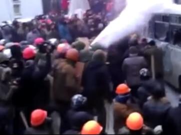 Топ-бійок за участі українських політиків. Рука народа може знайти будь-де