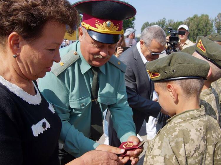 Горде майбутнє України - харківські кадети отримали погони