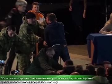 Процес декомунізації в Харкові проходить зі скандалами та бійкою