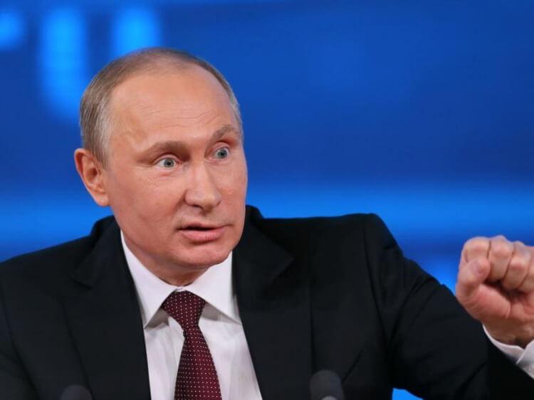 «Думаю, спишь ты, тайно лелея… После кончины спать в мавзолее…» - привітання Путіну від Росії поетичної