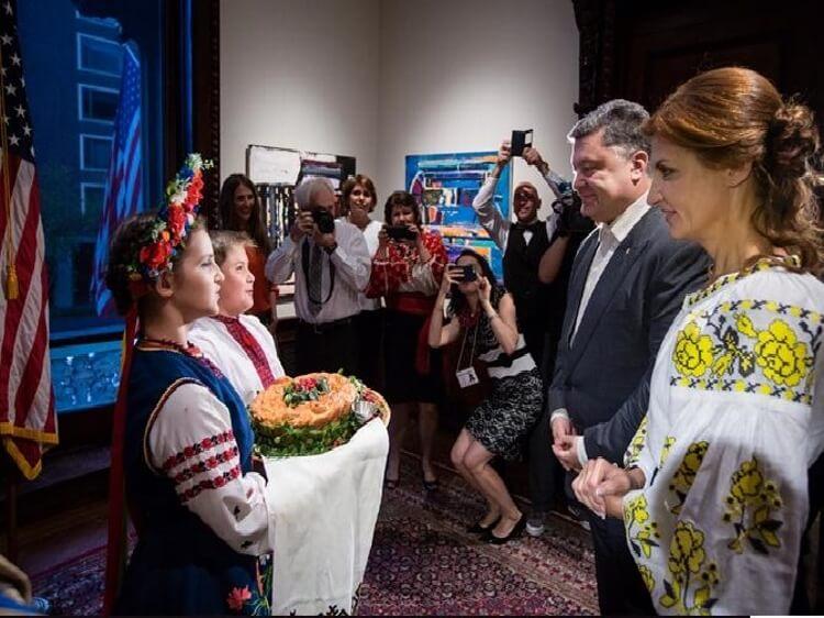 Непатріотичний патріотизм. Марина Порошенко і її вишиванка за 20 тисяч гривень
