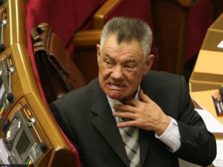 Екс-мер Києва, а нині депутат Омельченко знову під підозрою в аварії. Збита жінка в реанімації