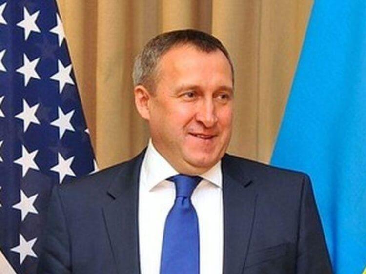 Так званого віце-прем'єра Криму облили кавою. Випадок чи «спецоперація» посла Дещиці