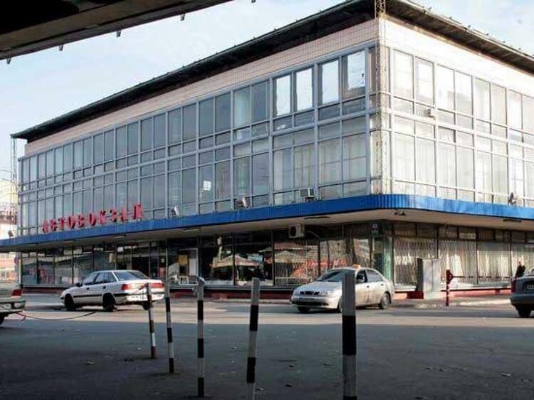 Усе з молотка! У Києві продають Центральний автовокзал